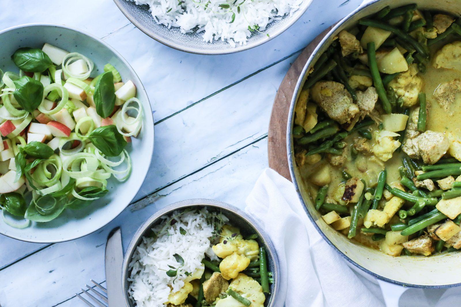 Indisk kyllinggryte med grønnsaker